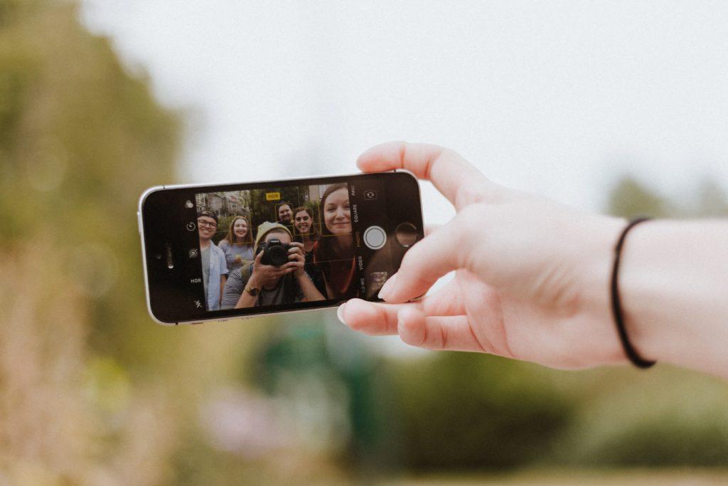 jak jest ciepło to grill i selfie! Ale po co ta prywatność